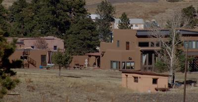 adobe_houses
